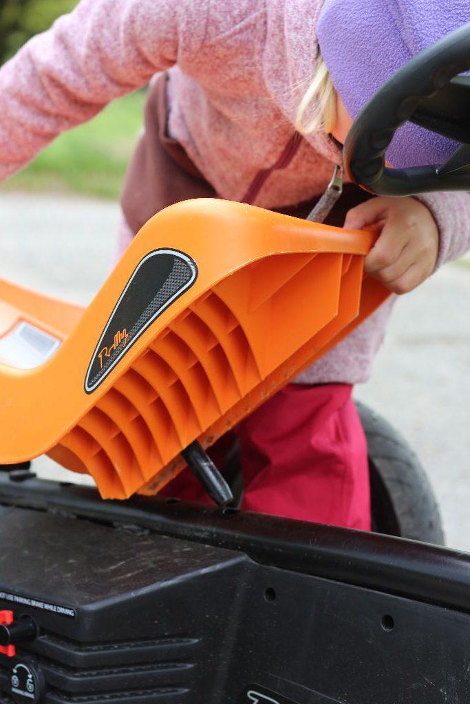 Kinderleicht kann man den Sitz der Größe des Fahrers anpassen