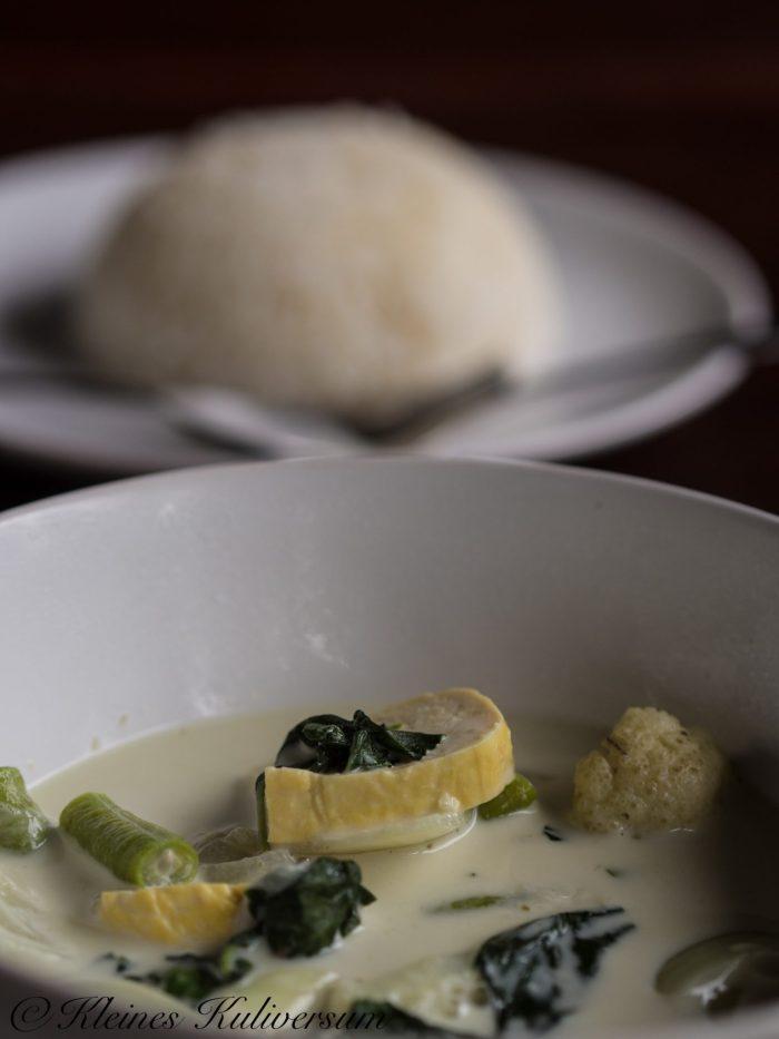 Grünes Thaicurry mit Gemüse