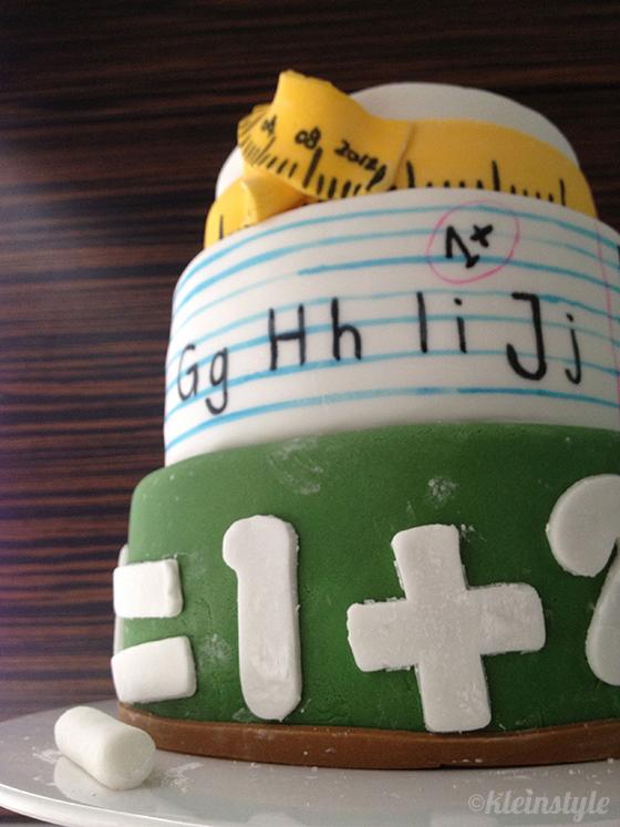 school starts cookies Kekse und kuchen zur Einschulung: Buchstaben, Tafel, Stift und Apfel, schreibheft, Lineal/massband