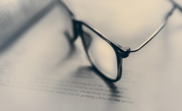 prawnik okulary