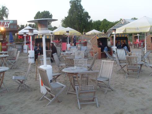 Als ich die Strandbar verließ, wusste ich nicht, ob die Heizpilze oder der Sex on the Beach für die wohlige Wärme verantwortlich waren