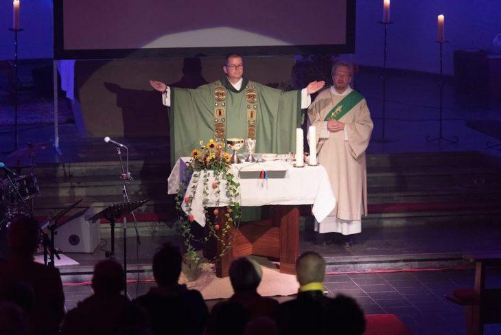Predigen und Chatten: Pfarrer Grosch