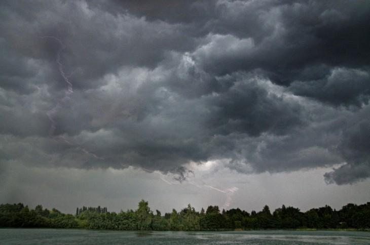 Ein Blitz dieses Typs zerstörte eine Telefonleitung in Kellen - mit fatalen Folgen für Hubert Reyers (Foto: Kleinendonk)