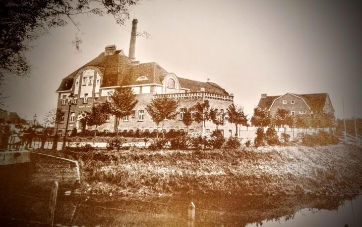 Für Schmökerer: Kleve 1928, Eigendarstellung der Klever Stadtverwaltung, Nachdruck von Lützenkirchen, noch ein paar Exemplare für 25 Euro erhältlich bei Hintzen, Hagsche Str.