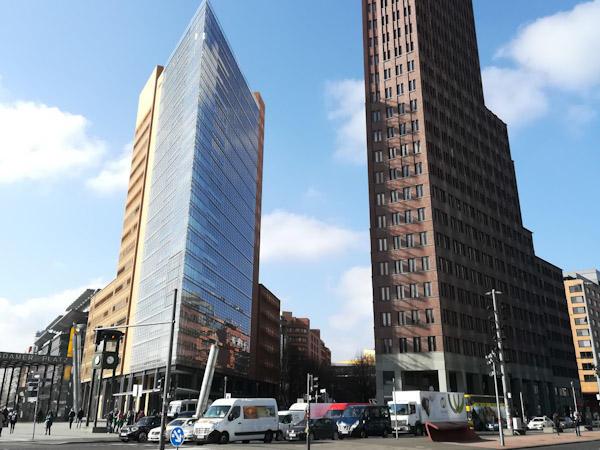 Der Potsdamer Platz auch Berlin kann hohe Gebäude