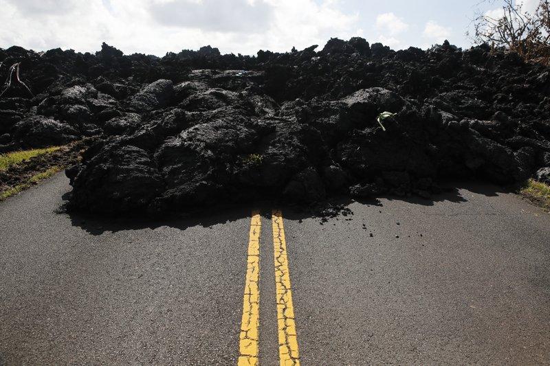 volcano in Hawaii_1526083790635.jpeg.jpg