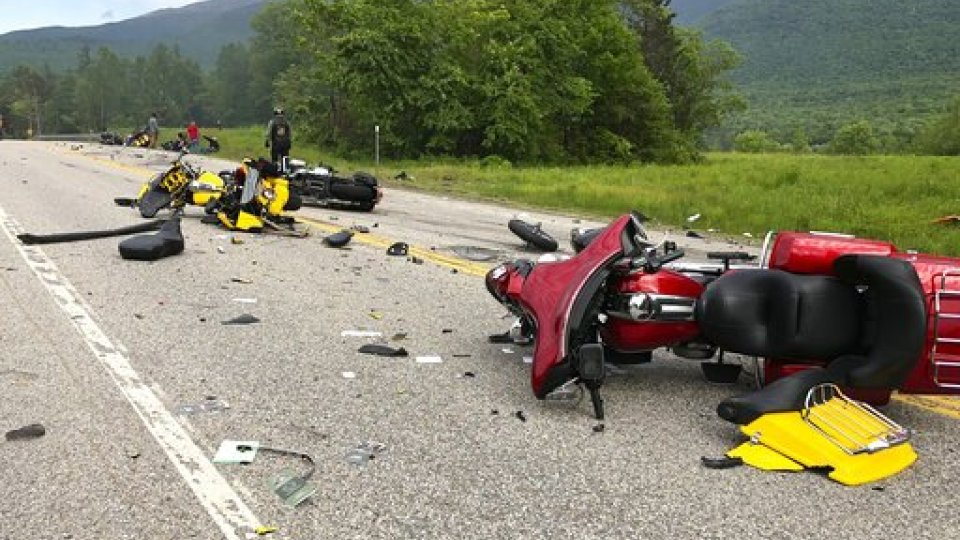 NEW HAMPSHIRE: 7 dead in collision with several motorcycles