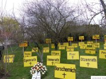 Friedhof der Dörfer | (C) Bianca, Extinction Rebellion (#12)