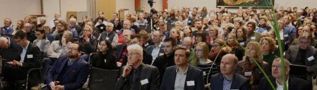 Wichtige Impulse zum Klimaschutz erhielten die rund 200 Teilnehmer durch Fachvorträge und Diskussionen. © Deutsche Bundesstiftung Umwelt