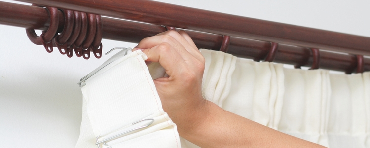 hanging a curtain with a curtain rod or