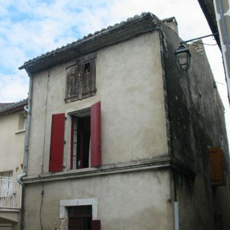 Haus von der Strasse aus