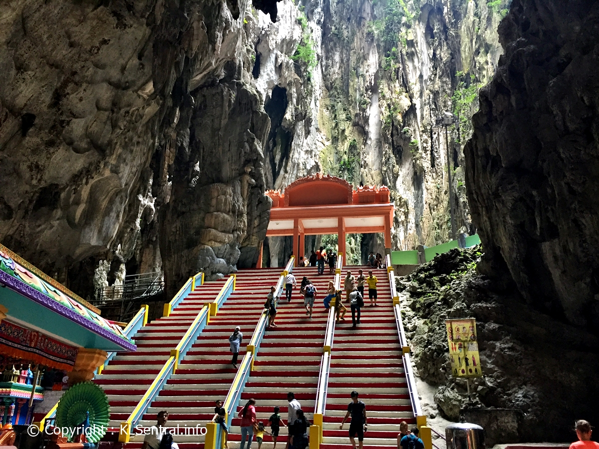 Batu-Caves-Tour-inside-caves-up-steps