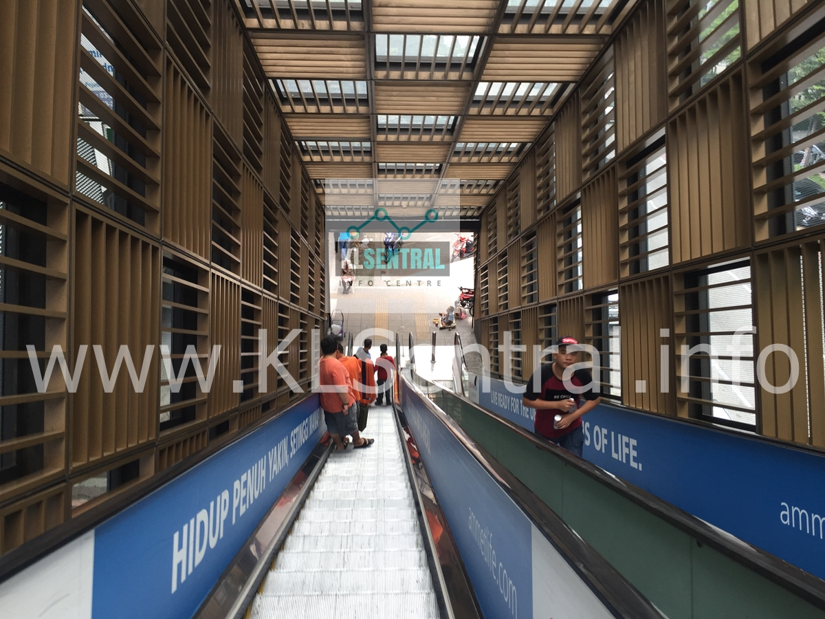 Escalator-down-to-Brickfields