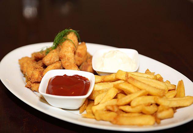 Kurczak z frytkami