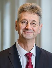 Kultusminister Prof. Dr. Michael Piazolo