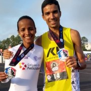 Dicson Falcão e Aline Prudêncio chegaram em primeiro lugar nas provas masculina e feminina da meia maratona