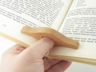 25 Last Minute Gifts for Book Lovers Thumb Book Holder