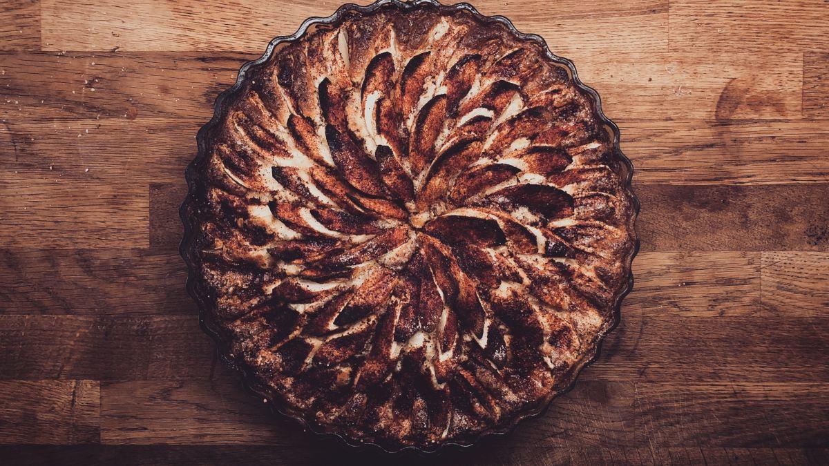 """Nízkosacharidový/keto koláčový korpus: na quiche nebo jablečný koláč (""""linecké"""" nebo """"křehké"""" těsto)"""