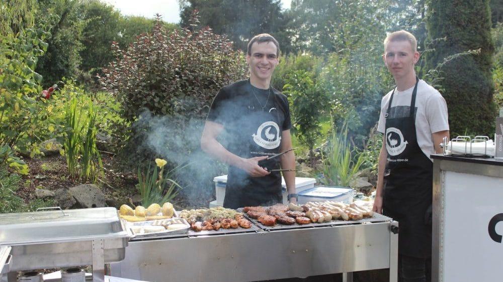 Mathieu Knepper beim Grillen mit Leon