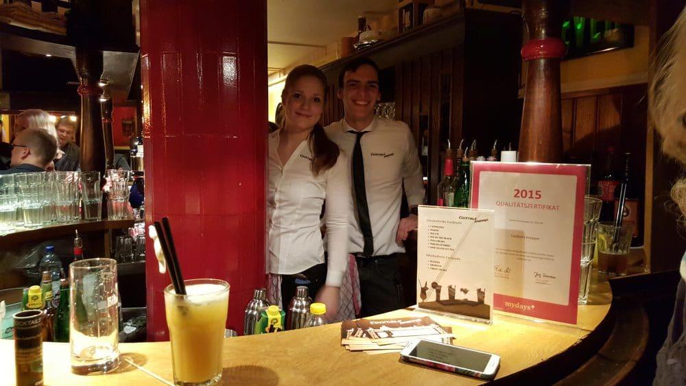 Knepper Management | Mathieu und Lisa bei der Arbeit