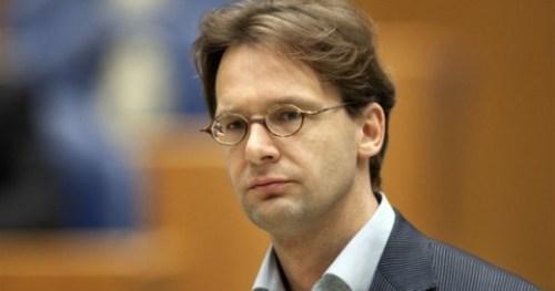 SP Tweede Kamerlid Ronald van Raak: Maak financiële banden openbaar
