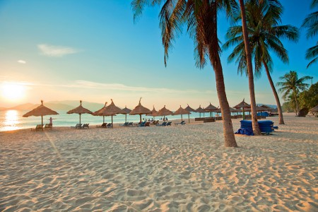 Afbeeldingsresultaat voor afbeelding zon zee strand
