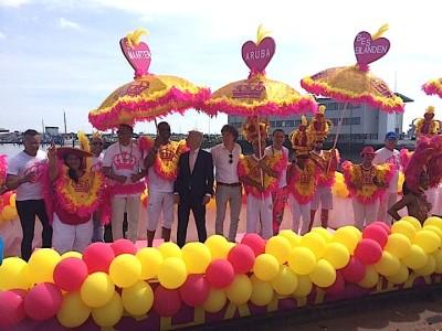 'Koninkrijksboot' van Aruba, Curacao en Sint Maarten en BES eilanden wint Canal Parade prijs 2015
