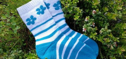 Stripes'n'Flowers sock pattern