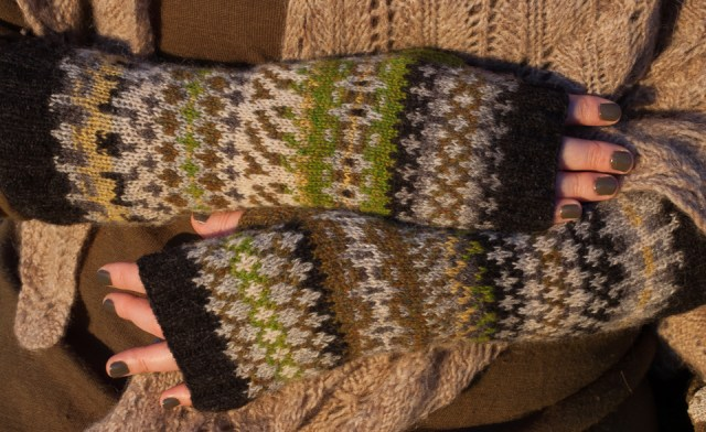 My #knitsonikmittsalong mitts