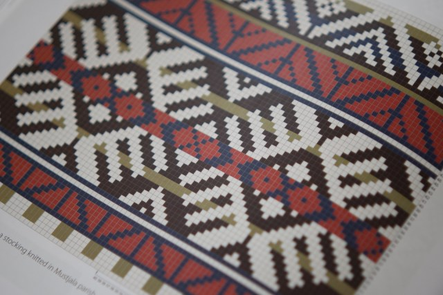 The coloured charts in Estonian Knitting 1 give an immediate impression of regional palettes