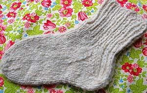 Knitting Socks Tutorial : Nalbinding socks u free crochet sock pattern fabric follies two
