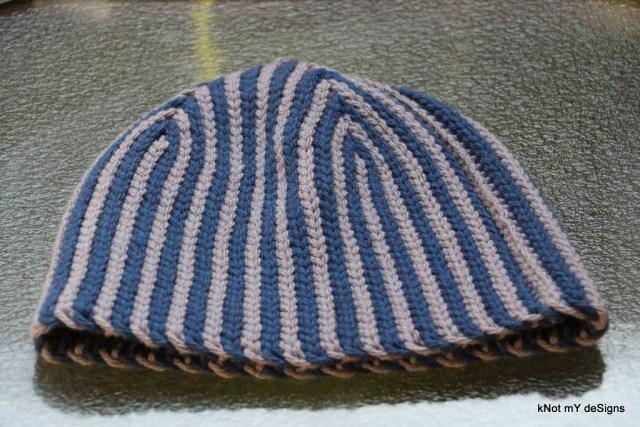 Winter/Fall Seasoned Crochet Blue Grey Hazelnut Bosnian Beanie Free Pattern for an adult man - kNot mY deSigns