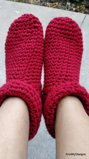 Winter / Fall Crochet Red Roller Slippers Free Pattern for an adult woman - kNot mY deSigns