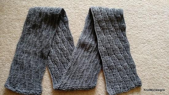 Fall/Winter Seasoned Crochet Men's Wavy Scarf Free Pattern - Knot My Designs