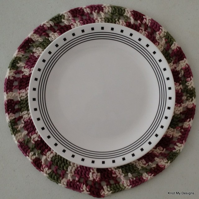 Crochet Circular Wheeling Placemats Free Pattern for Home Decor/Kitchen Decor - Knot My Designs