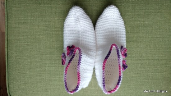 Winter/Fall Seasoned Crochet White Snow Slippers/Socks Free Pattern for an adult woman - kNot mY deSigns