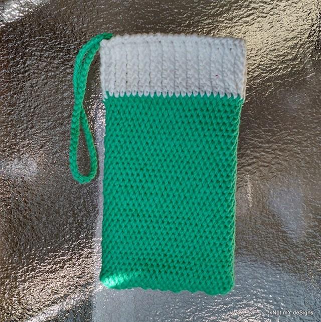 Crochet Shepherd's Mobile Wristlet Case Free Pattern - Knot My Designs