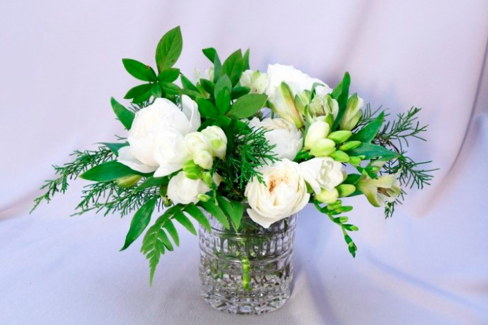 Wedding Centerpiece with Whites and Natural Elements