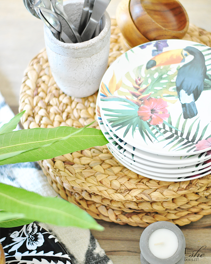 Summer inspired plates and placemats