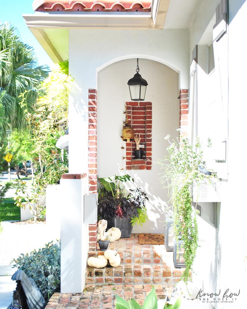 Small porch Halloween