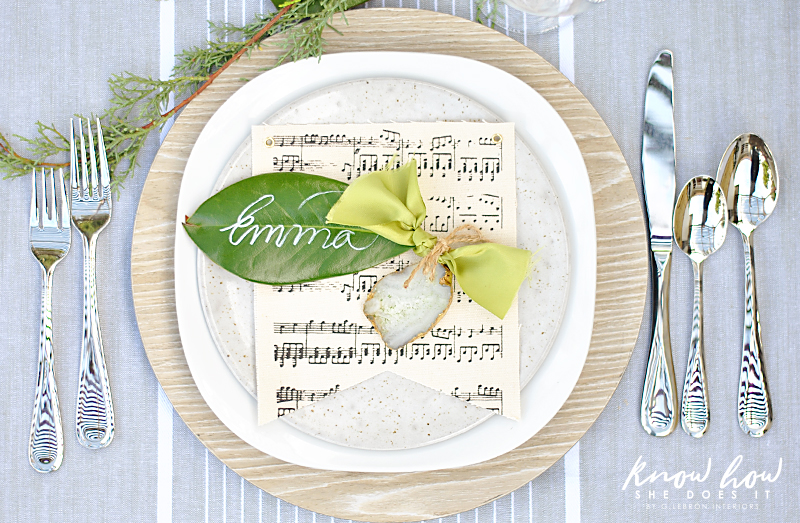 Magnolia leaves place settings