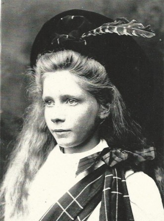 1906: Scottish Dancer