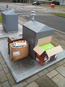 rotzooi-grote dozen kunnen niet in de papierbak
