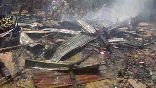 Dua Rumah Di Tanakakan Hangus Terbakar