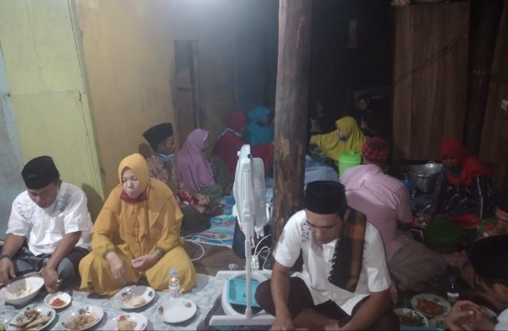Bupati KSB Rutin Datangi Rumah Warga Kurang Mampu Untuk Berbuka Puasa Bersama