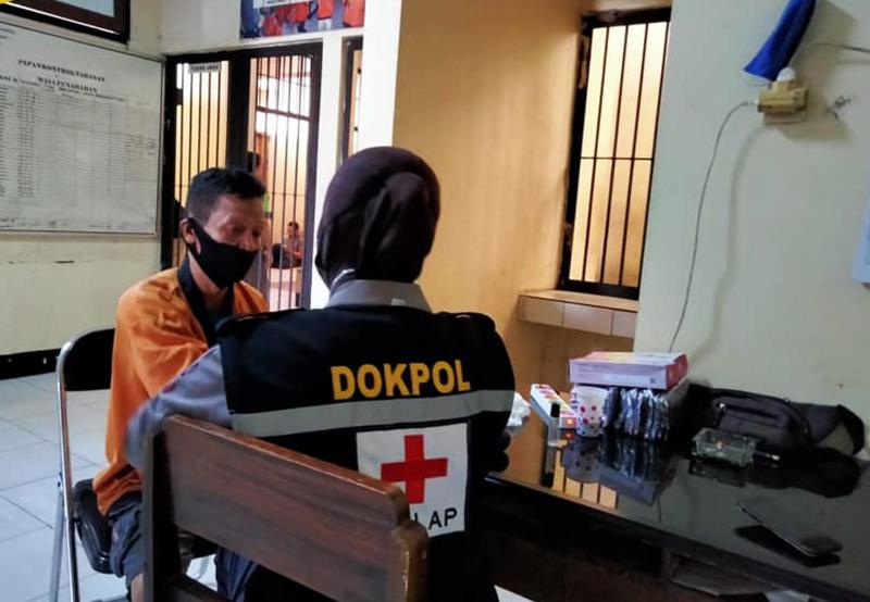 Polres KSB Rutin Periksa Kesehatan Tahanan