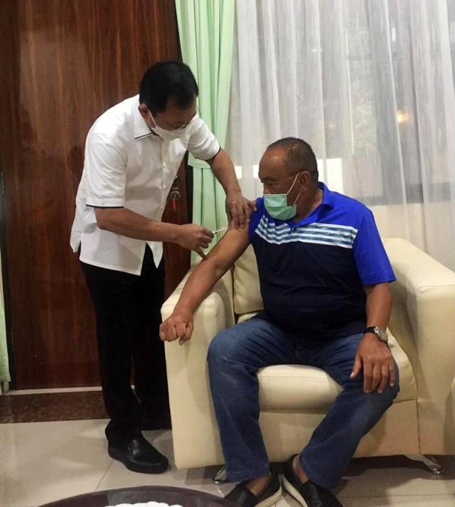 ARB Disuntik Vaksin Nusantara 1