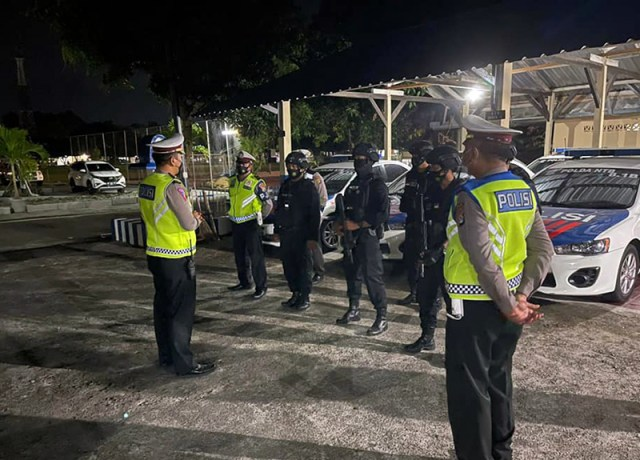 Polisi Giat Patroli Pada Malam Hari 3