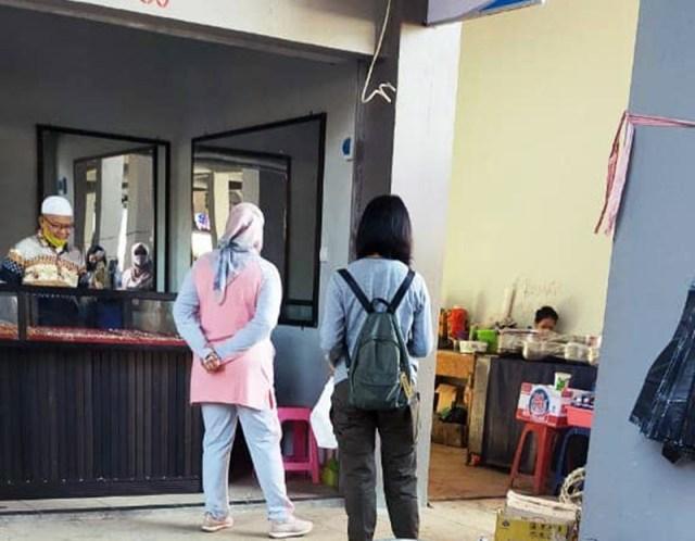 Wakil Bupati Sumbawa Blusukan di Pasar Seketeng Sumbawa