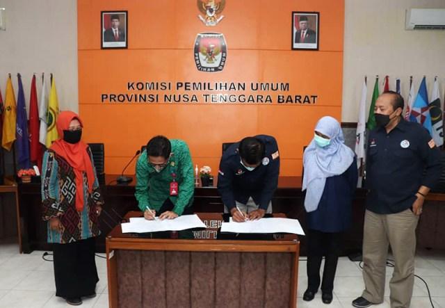 KPU NTB Serahkan Dokumen Ke DPK NTB 1